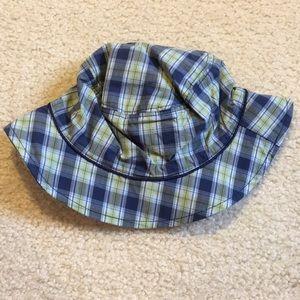 NWT Gap plaid baby hat size 12-18 months